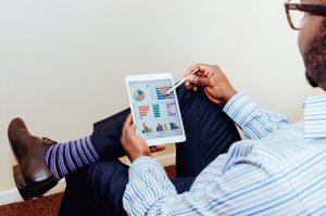 Entwicklung kundenspezifischer und kanalübergreifender KPIs
